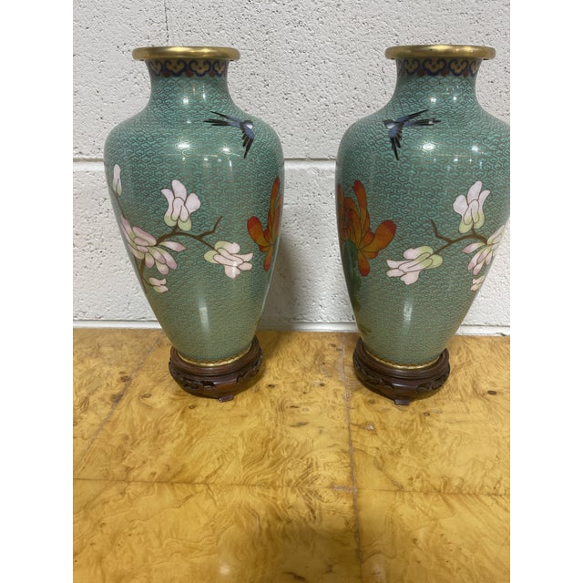 """Cloisonné """"Jingfa"""" Chines Hand Made Brass Enamel Cases on Stands - a Pair For Sale - Image 4 of 11"""