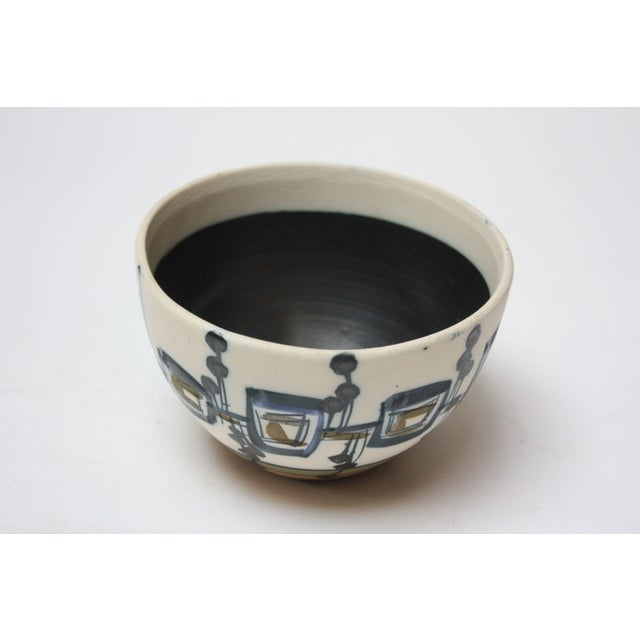 Mid-Century Modern Vintage Israeli Hand-Painted Ceramic Bowl by Azaz (עזז) for Harsa Be'er Sheva For Sale - Image 3 of 10