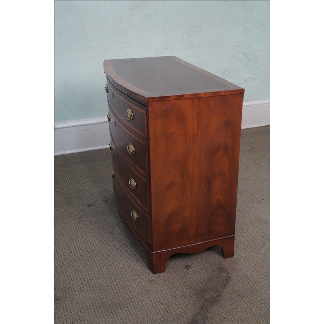 Baker Mahogany Bow Front Banded Bachelors Chest - Image 3 of 10