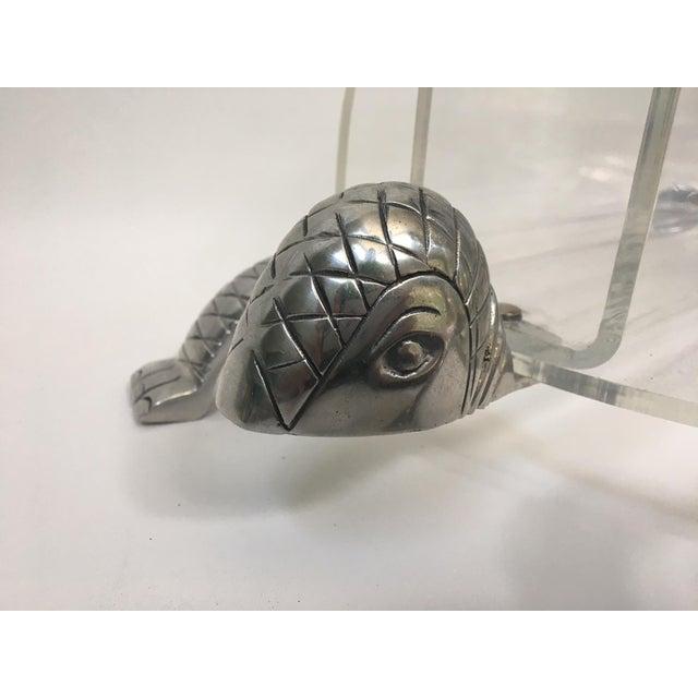 Acrylic Hollywood Regency Arthur Court Turtle Lucite and Aluminum Magazine Rack For Sale - Image 7 of 7
