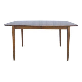 Mid Century Modern Walnut Dining Table With 2 Leafs For Sale