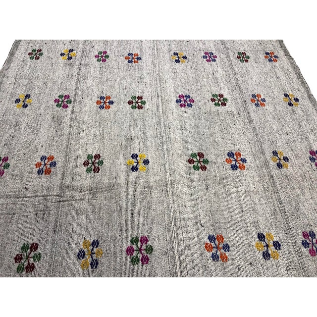 Contemporary Turkish Natural Patterned Handwoven Kilim Rug - 6′1″ × 8′10″ For Sale - Image 3 of 7