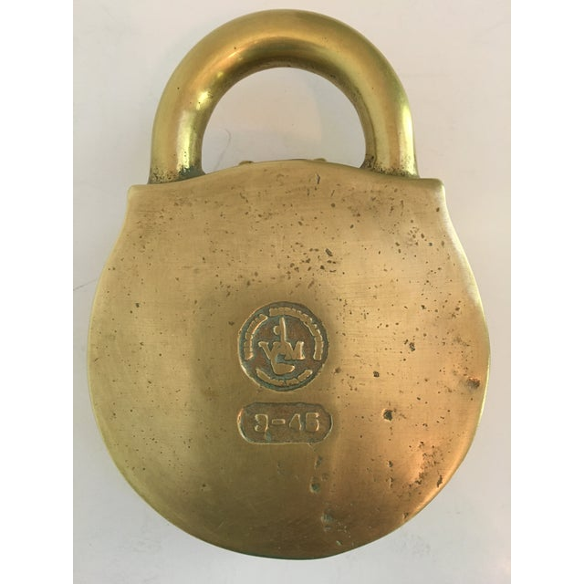 Rare - Mid-Century Virginia Metalcrafters Solid Brass Padlock Box For Sale - Image 9 of 13