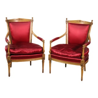 Pair Carved Beacon Hill Collection French Louis XVI Style Lounge Chairs, C1970 For Sale