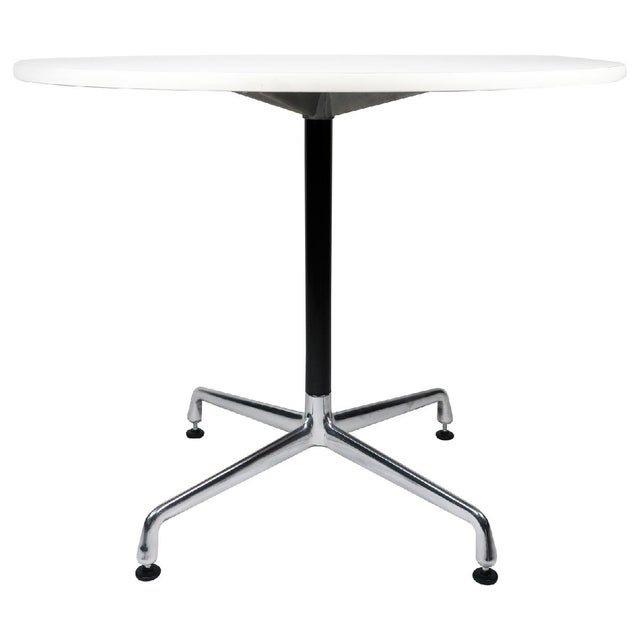 From Ray & Charles Eames' iconic Aluminum Group collection for Herman Miller, this timeless mid century modern classic is...