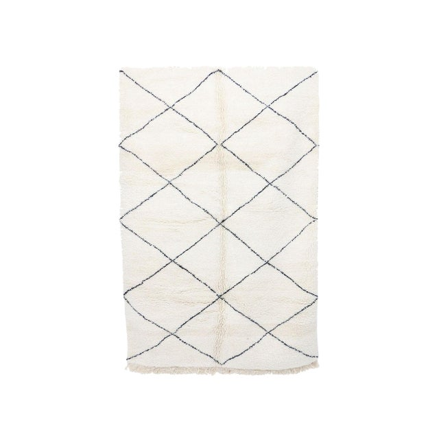 """Contemporary Beni Ourain Vintage Moroccan Rug - 5'8"""" X 8'10"""" For Sale"""