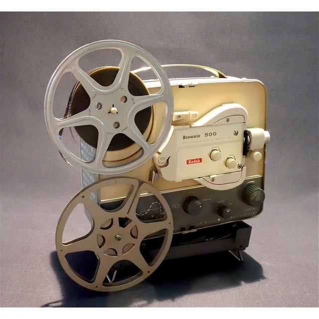 Offered for your consideration is this very pretty Eastman Kodak Company 8mm Cinema Projector. Pristine cosmetic condition...