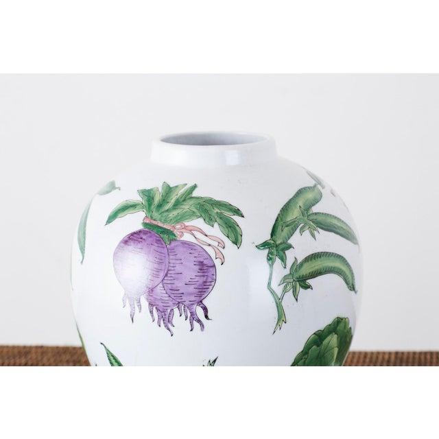 Chinese Export Porcelain Lidded Ginger Jar on Stand For Sale In San Francisco - Image 6 of 13