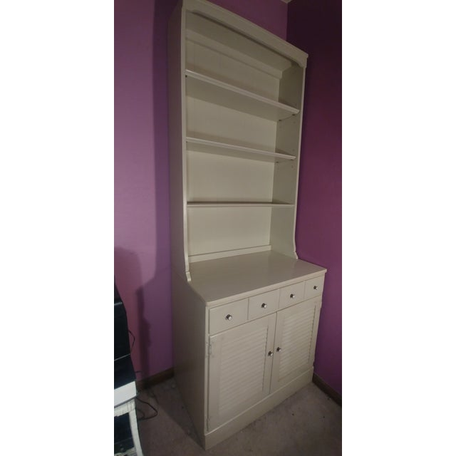 This Ethan Allen piece rounded out my childhood bedroom suite. It remains functional for an adult also. It held board...