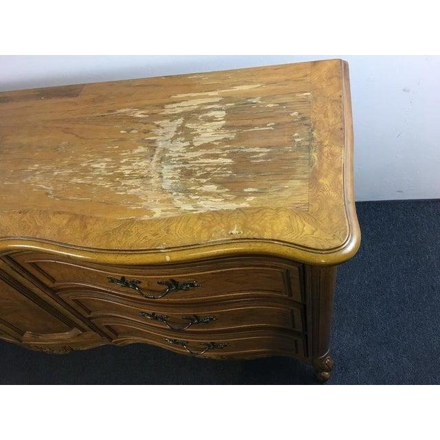 Vintage Thomasville Carved Wood French Provincial 'Court Triple' Dresser - Image 7 of 11