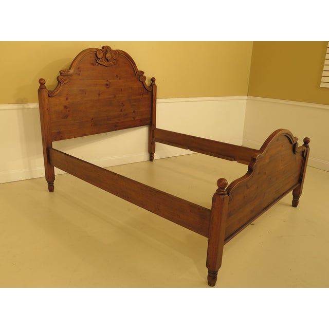 Item: 44494EC: HABERSHAM PLANTATION Queen Size Pine Country Bed Age: Approx: 20 Years Old Details: Quality Construction...