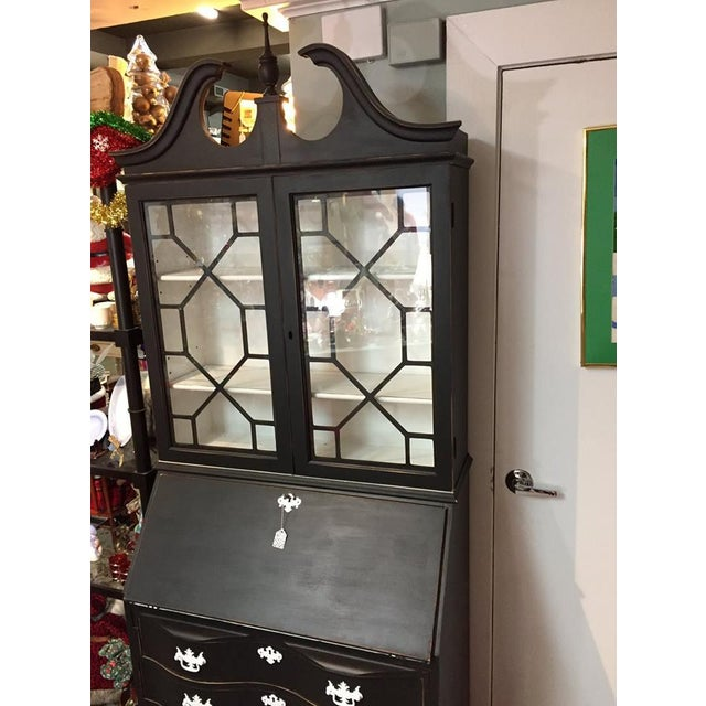 White 1950s Traditional Black Secretary Desk with China Cabinet Hutch For Sale - Image 8 of 10