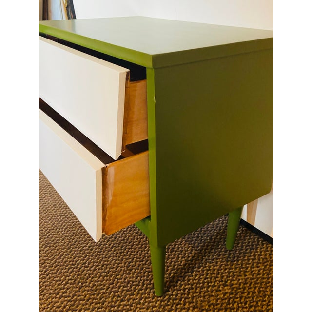 Mid-Century Modern Mid Century Modern Two Tone Nightstands - a Pair For Sale - Image 3 of 13
