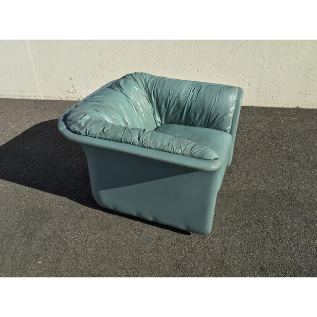 Contemporary 1980s Contemporary Light Blue Leather Hickory Nc Club Chair For Sale - Image 3 of 13
