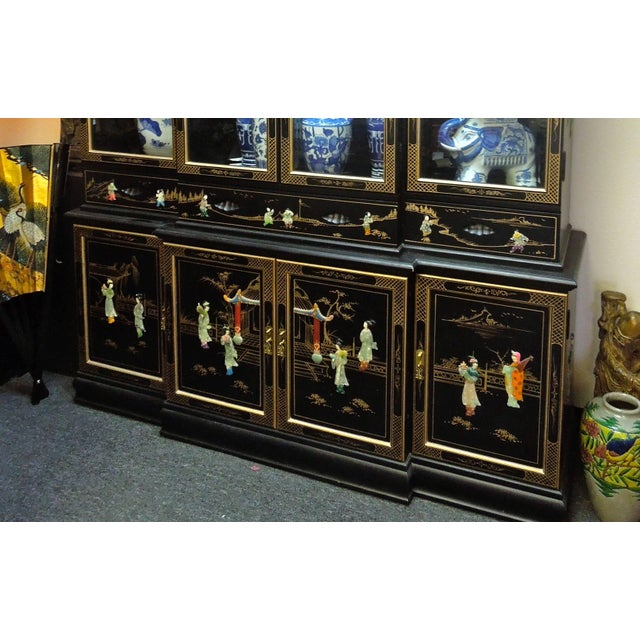 Black Very Chic 20th Century Chinoiserie Pagoda Glass Front Cabinet For Sale - Image 8 of 10
