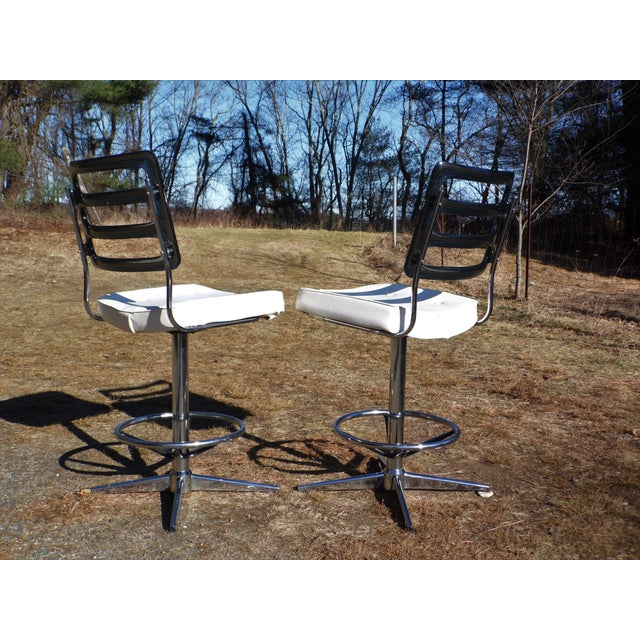 Chromcraft Mid-Century Lucite Swivel Bar Stools - A Pair For Sale In Providence - Image 6 of 10