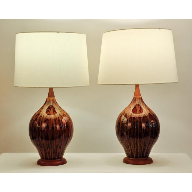Mid Century Italian Glazed Porcelain Table Lamps - a Pair For Sale In New York - Image 6 of 7