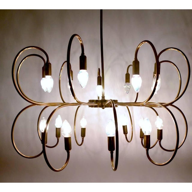Large Eighteen-Light Brass Chandelier After Sarfatti For Sale - Image 4 of 8