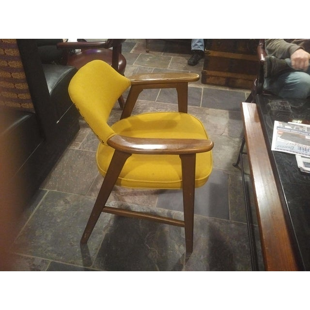 1960s Mid-Century Modern Yellow Padded Paoli Chair For Sale - Image 5 of 6