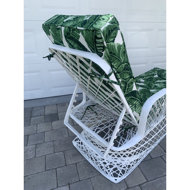 White Vintage Russell Woodard Spun Fiberglass Chaise Lounge Chair For Sale - Image 8 of 13