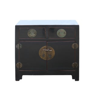 Vintage Distressed Black Lacquer Oriental Chinese Side Table Cabinet For Sale