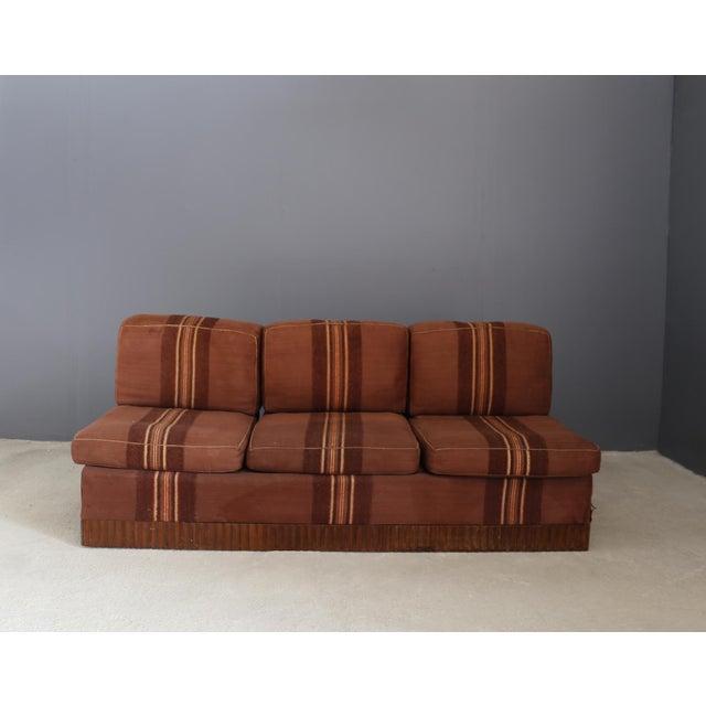 Raro day bed di Pierluigi Colli tessuto originale del 1950. Raro divano che si trasforma in letto di Pierluigi Colli, il...