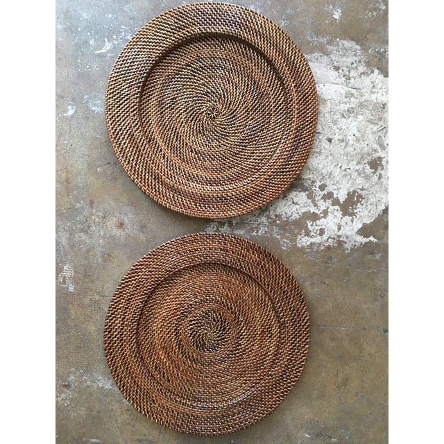 Pair of vintage rattan woven Boho chic round trays they can be use as under-plates as well. Excellent condition.