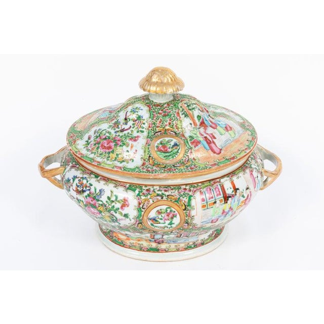19th Century Rose Medallion Covered Tureen and Platter - 2 Pieces For Sale In Los Angeles - Image 6 of 11