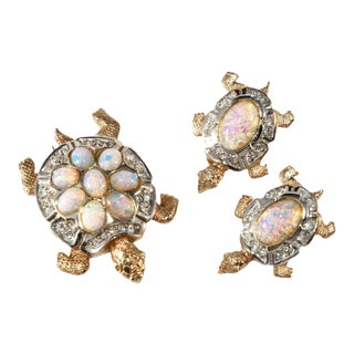 Boucher Turtles Brooch Pin Clip and Earrings Faux Opals and Rhinestones For Sale