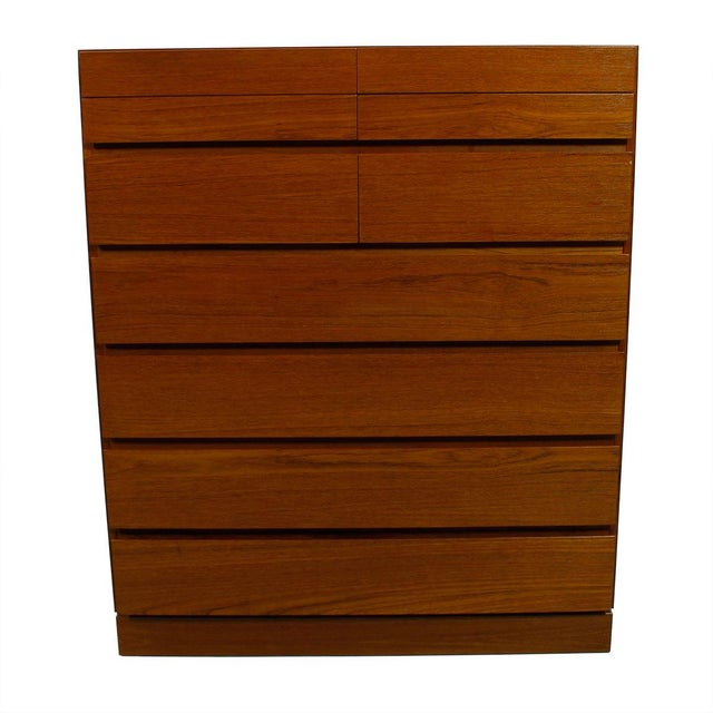 Vinde Mobelfabrik Danish Modern 10-Drawer Dresser For Sale