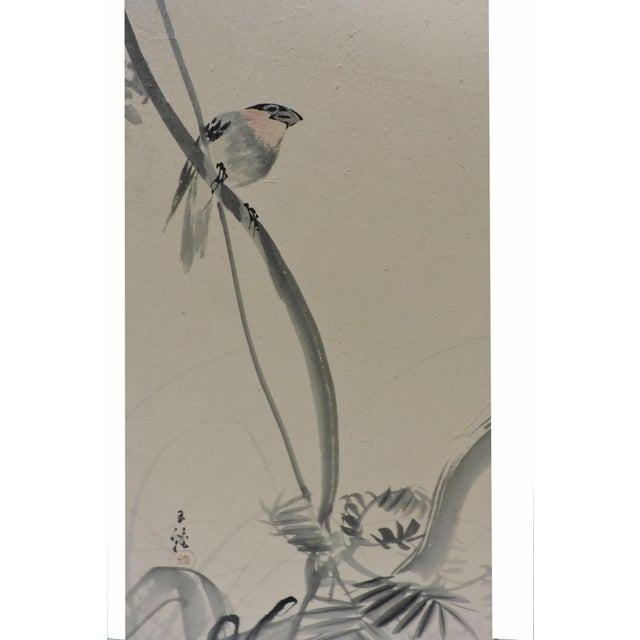 1900s Pair of Hand Painted Japanese Panel Screens With Birds and Flowers For Sale - Image 5 of 13