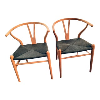 1970s Vintage Hans Wegner Ch-24 Wishbone Chairs- A Pair For Sale