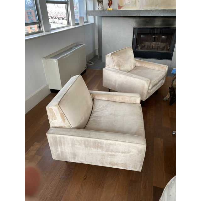 Art Deco 1950s Vintage McCobb Lounge Chairs Upholstered in Velvet - a Pair For Sale - Image 3 of 12