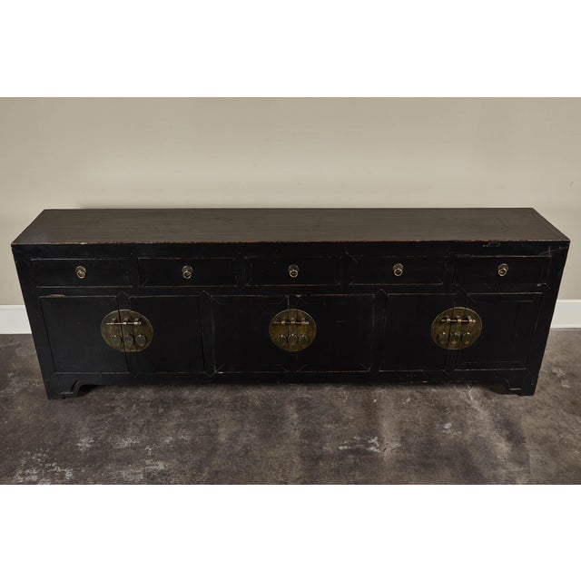 18th C. Chinese Black Lacquer Elm Sideboard For Sale In Los Angeles - Image 6 of 10