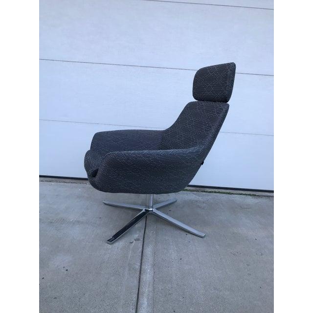 "Steelcase ""Bob"" Swivel Lounge Chair | Chairish"