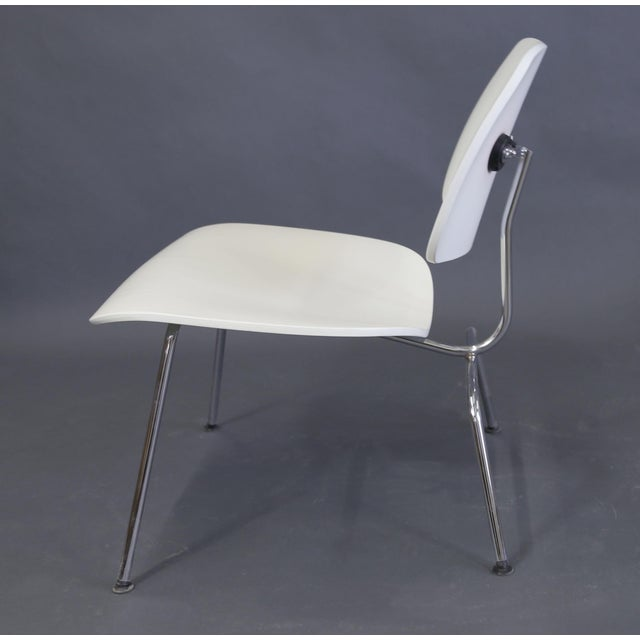 Mid-Century Modern Eames Style White Lounge Chair For Sale In New York - Image 6 of 11