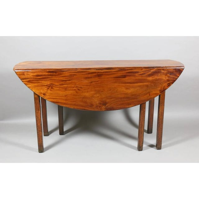 George III Mahogany Drop-Leaf Hunt Table For Sale In Boston - Image 6 of 7