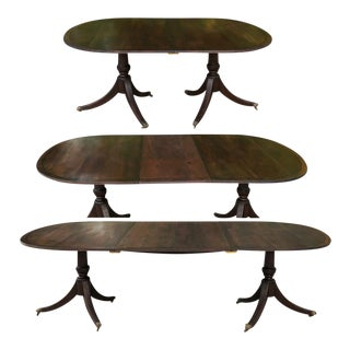 19th Century English Duncan Phyfe Dining Table With 2 Leaves For Sale