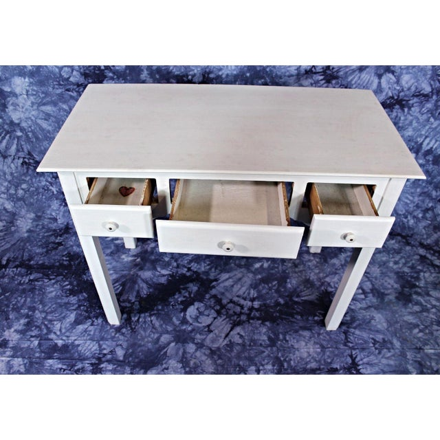 Whittier Furniture White Painted Children's Desk & Chair - Image 5 of 11