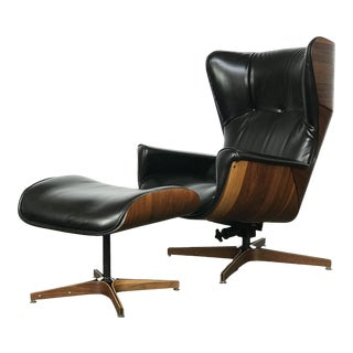 Scarce Wing-Back Mr. Chair Lounge and Ottoman by George Mulhauser for Plycraft For Sale
