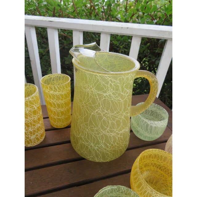 Cottage Mid-Century Color Craft Spaghetti String Rubberized Drink Set - 8 Piece For Sale - Image 3 of 7