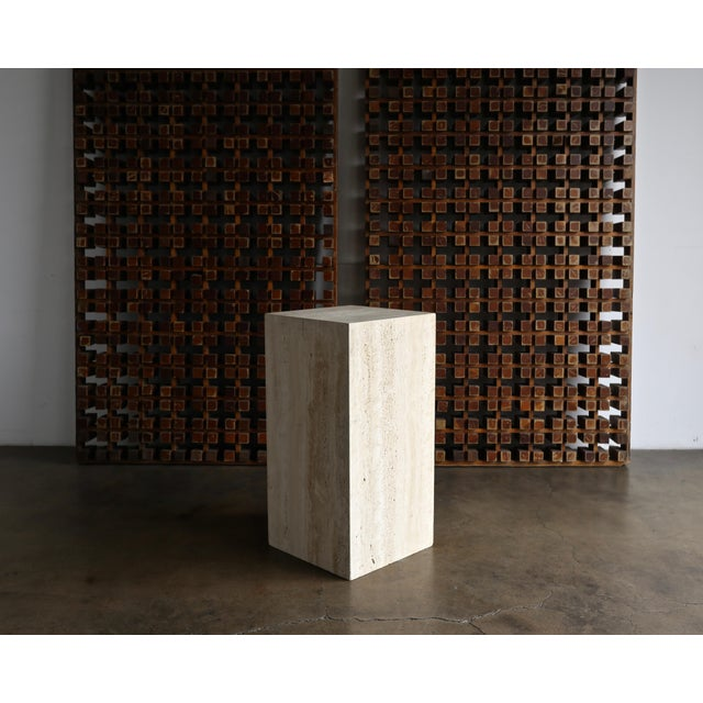 Late 20th Century Tall Travertine Pedestal For Sale In Los Angeles - Image 6 of 6