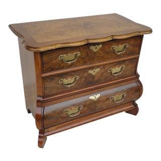 20th Century Traditional Baker Furniture Mahogany Nightstand For Sale