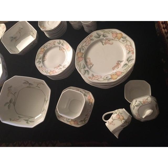 Villeroy & Boch Fruit Garden Pattern Dinnerware - Set for 8 For Sale In Boston - Image 6 of 6