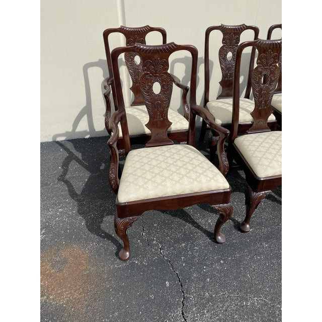 Aston Court by Henredon Set Of 8 Chairs in Excellent Condition Includes 6 Armless Chairs and 2 Arm Chairs Fabric is in...