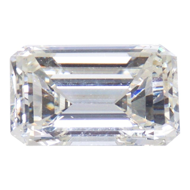Stunning Emerald Cut Diamond Stone 4.08 Carat, Gia Certified Report For Sale