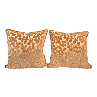 Transitional Beacon Hill Summer Sonata Shell Silk Velvet Epingle Pillows - a Pair For Sale