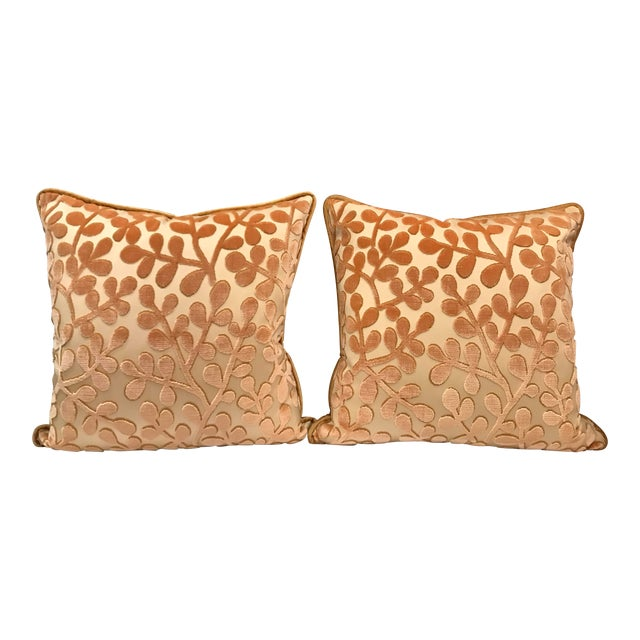 Transitional Beacon Hill Summer Sonata Shell Silk Velvet Epingle Pillows - a Pair For Sale