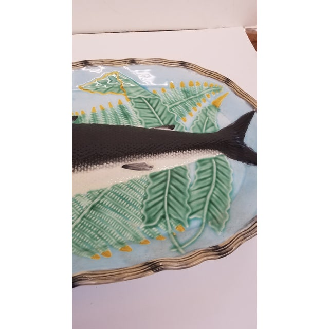Nautical 1990s Vintage Fitz and Floyd Majolica Style Fish Wall Platter For Sale - Image 3 of 5