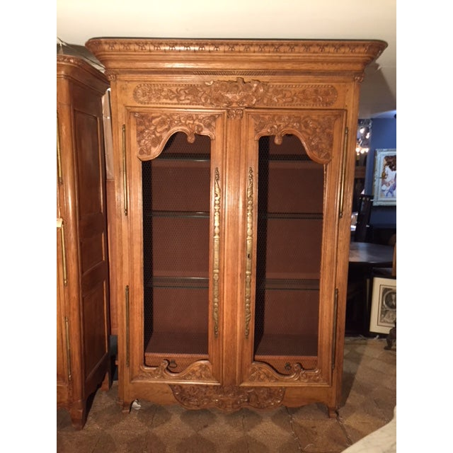 19th Century French Carved 2 Door Chicken Wire Vitrine For Sale - Image 11 of 12